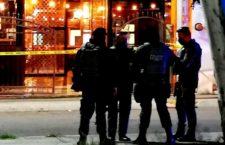 GUADALUPE, ZACATECAS, 04OCTUBRE2020.- Dos policías de la Secretaría de Seguridad Pública Pública de Zacatecas fueron asesinados a balazos dentro del bar Santa Madre Curandería, en la agresión resultaron heridos una mujer policía de la Fiscalía de Zacatecas y un civil, ambos recibieron atención y se reportan como estables. FOTO: LEONARDO GARZA TREVIÑO/CUARTOSCURO.COM