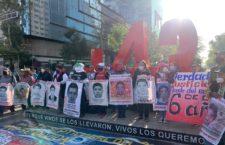 IMAGEN DEL DÍA | Ayotzinapa: manifestación a 74 meses