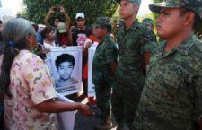 Ayotzinapa: Celebran aprehensión de militar