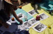 CIUDAD DE MÉXICO, 01NOVIEMBRE2020.- Ciudadanos montaron una ofrenda de Día de Muertos en el Antimonumento a los 72, el cual esta dedicado a los 72 migrantes que murieron en San Fernando en Tamaulipas, mismo que se ubica en avenida Reforma, frente a la embajada de Estados Unidos. Los ahí presentes pusieron retratos de los que ahí perecieron y exigieron justicia a sus verdugos, ya que acusan que el gobierno federal nunca esclareció los hechos.  FOTO: MOISÉS PABLO/CUARTOSCURO.COM