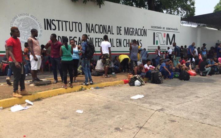 BAJO LA LUPA | Incomunicación dentro de las estaciones migratorias, fuente de casos de desaparición, por Adrián Estrada