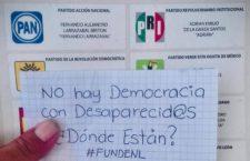 IMAGEN DEL DÍA | Familias de víctimas 'votan' con cartas y exigencia de búsqueda